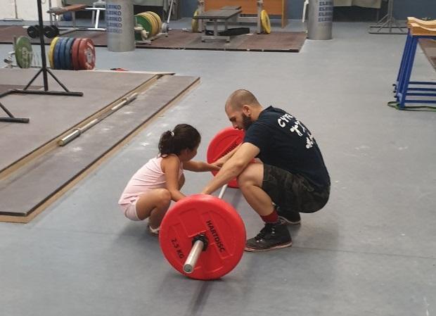 Ενημέρωση σε παιδιά για το άθλημα της Άρσης Βαρων